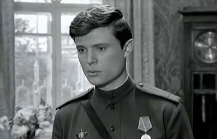 Борис Токарев, кадр из фильма «Украденный поезд». / Фото: www.kino-teatr.ru