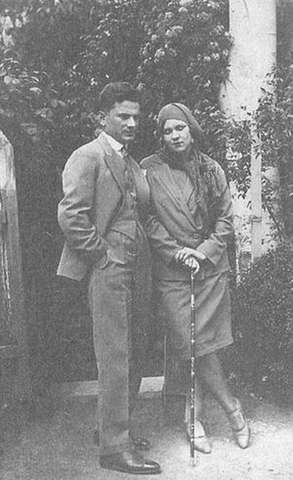 Клавдия Шульженко и Владимир Коралли в 1930 году. / Фото: www.detectivebooks.ru