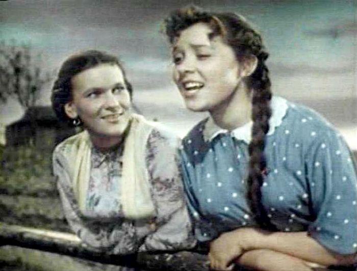 Светлана Карпинская, кадр из фильма «Поддубенские частушки», 1957. / Фото: www.kino-teatr.ru