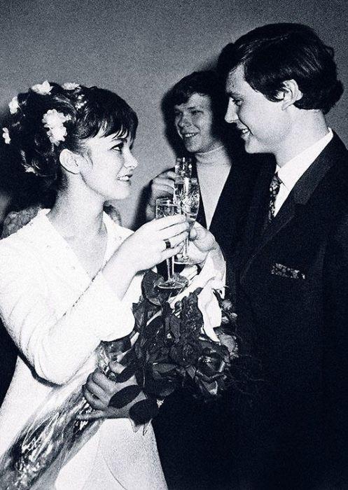 Свадьба у них была шумной и весёлой. / Фото: www.7days.ru
