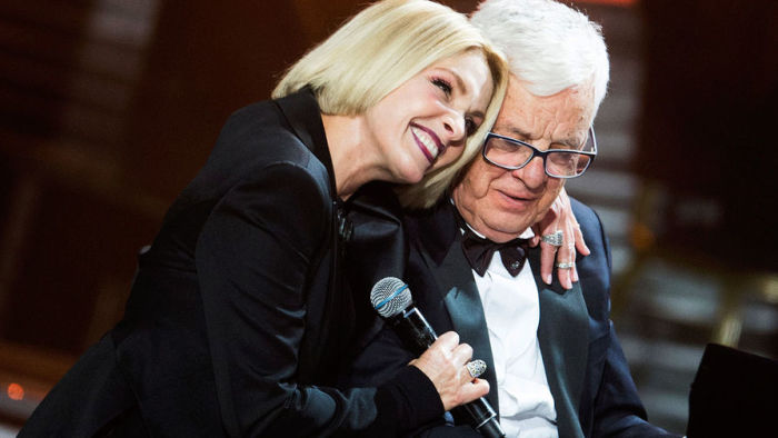 Лайма Вайкуле и маэстро Раймонд Паулс познакомились в то время, когда певице было всего 15 лет. / Фото: www.tabloid.net.ru