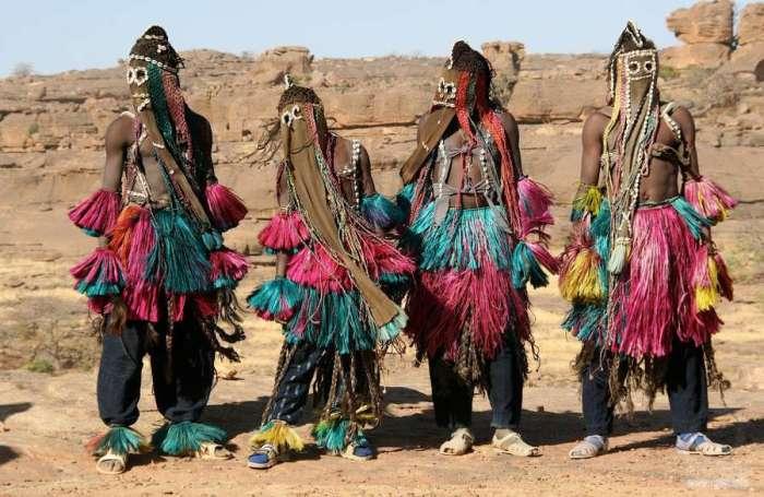 Благодаря долгой изоляции догоны сохранили свою самобытность. / Фото: www.rgdn.info