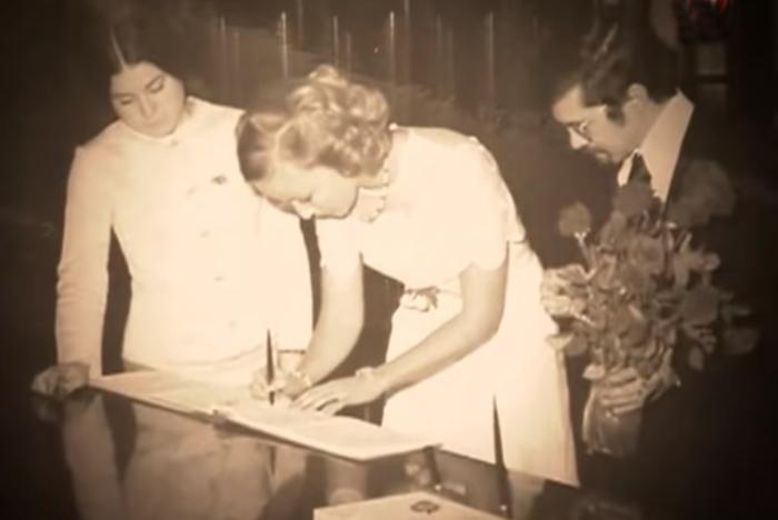 Наталья Петрова и Бабек Серуш в день бракосочетания. / Фото: www.tvc.ru