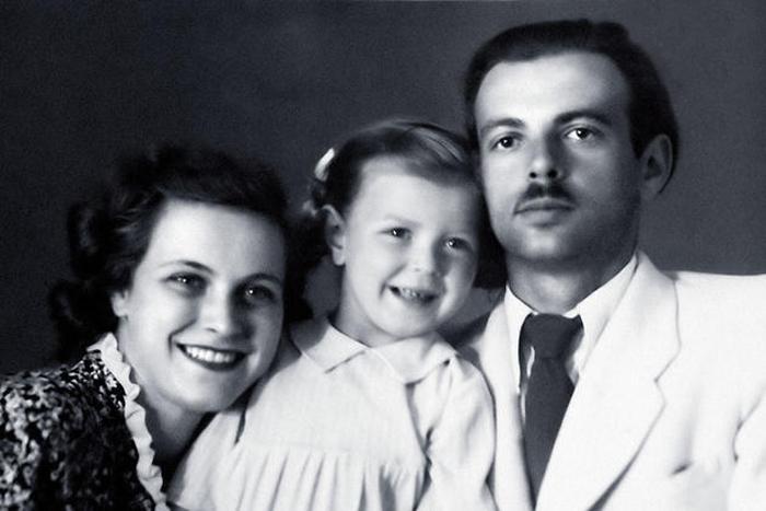 Татьяна Пилецкая с первым мужем Константином Пилецким и дочерью Наташей. / Фото: www.7days.ru