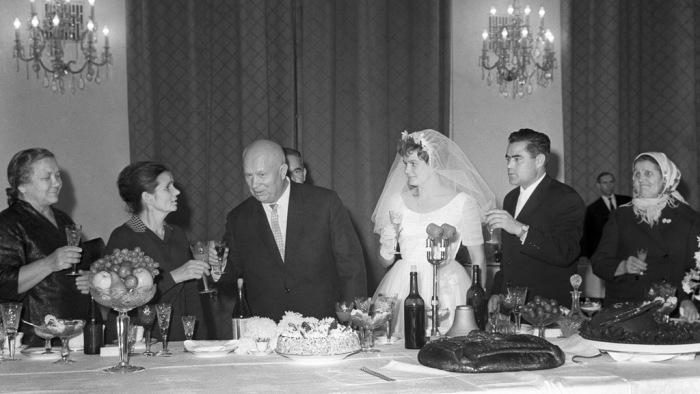 Свадьба Андрияна Николаева и Валентины Терешковой. / Фото: www.mtdata.ru
