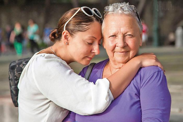 Кнея с мамой, Галиной Храмовой. / Фото: www.mirtesen.ru