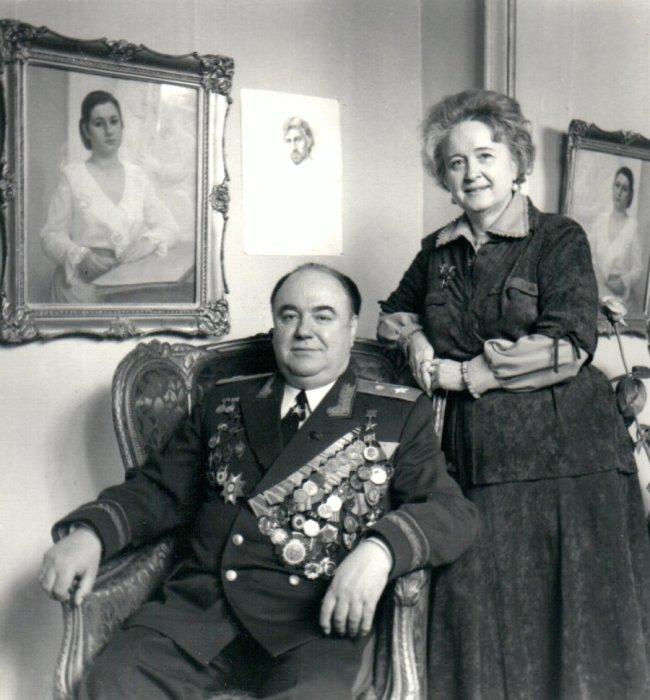Семён Цвигун с женой. / Фото: www.generaltsvigun.ru