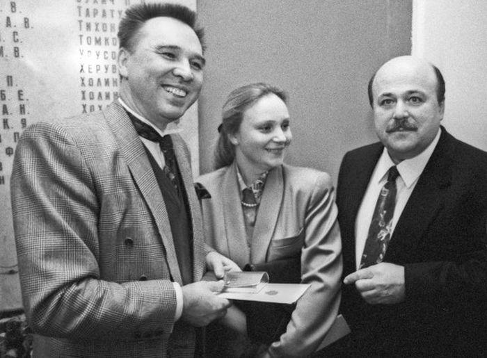 Вячеслав Зайцев, Евгения Глушенко и Александр Калягин, 1991 год. / Фото: Александр Нейменов, www.rg.ru