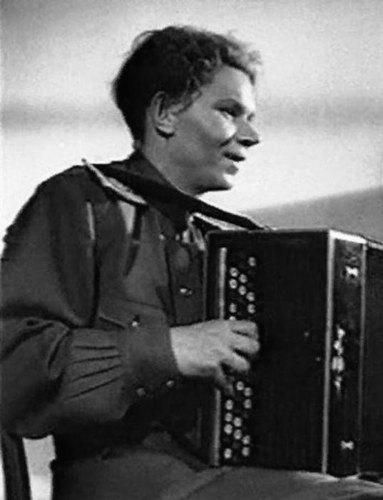 Кадр из фильма «Повесть о настоящем человеке». / Фото: www.kino-teatr.ru
