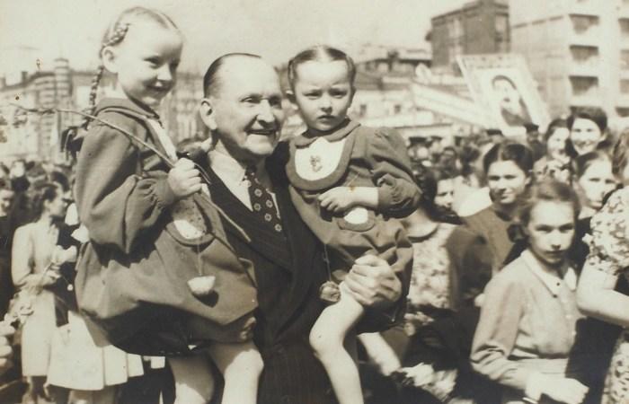 Александр Вертинский с дочками Марианной и Анастасией.  / Фото: www.litfund.ru