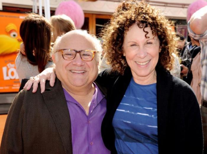 Дэнни Де Вито и Реа Перлман. / Фото: www.showbiz411.com
