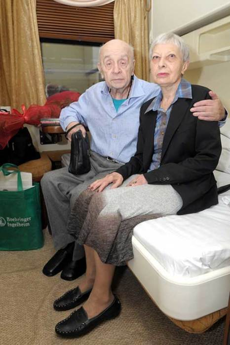 Леонид Броневой со второй женой, Викторией Валентиновной. / Фото: www.stuki-druki.com