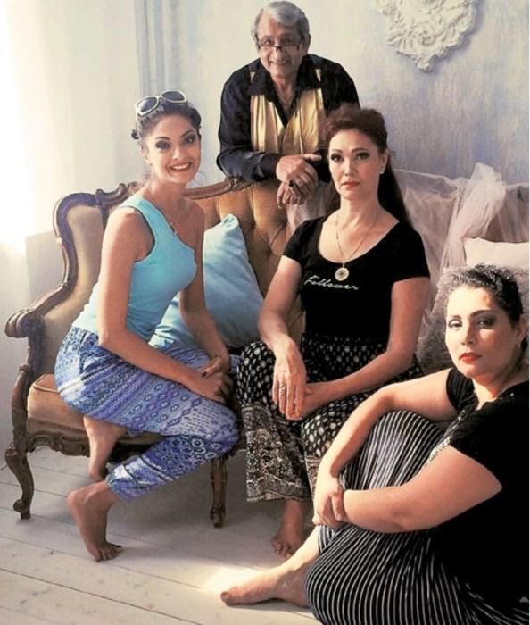 Василий Федорович обрел семейное счастье с женой Марианной и дочками Есенией и Кристиной. / Фото: www.teleprogramma.pro