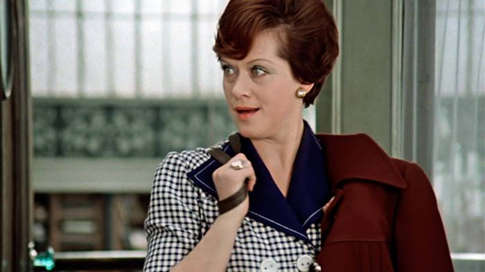Алиса Фрейндлих, кадр из фильма «Служебный роман». / Фото: www.1tv.ru