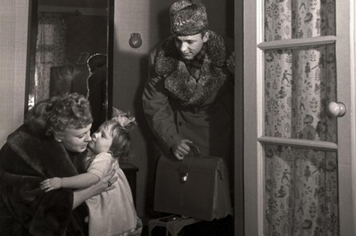 Николай Рыбников и Алла Ларионова с дочерью.  / Фото: www.mtdata.ru