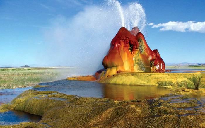 Гейзер Флай, Невада, США. / Фото: www.travelflights.ru