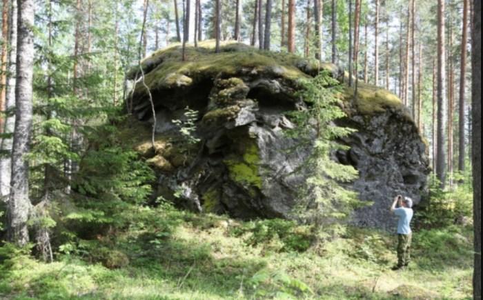 Дьявольский камень. / Фото: www.vivelevoyage.nl