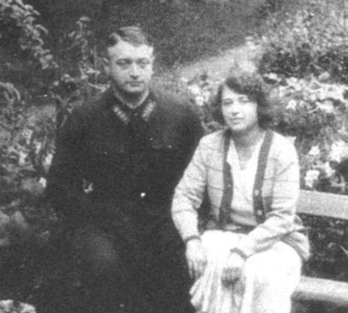 Михаил Тухачевский и Нина Гриневич, 1935 год. / Фото: www.xliby.ru