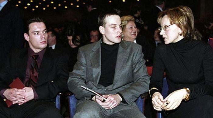 Ирина Купченко с сыновьями. / Фото: www.globalsib.com