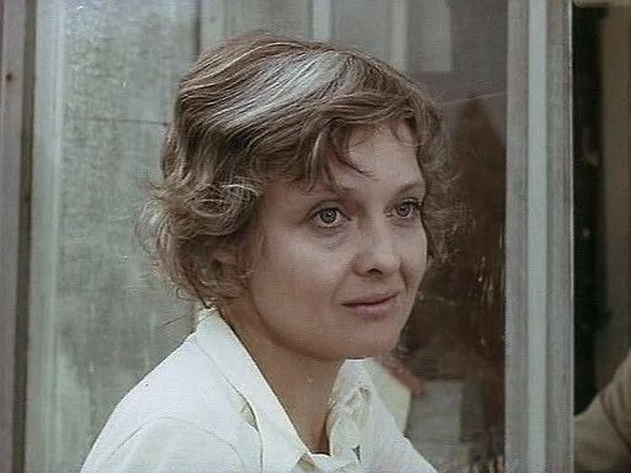 Ольга Антонова, кадр из фильма «Почти смешная история». / Фото: www.kino-teatr.ru