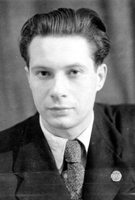 Николай Озеров в молодости. / Фото: www.ggpht.com