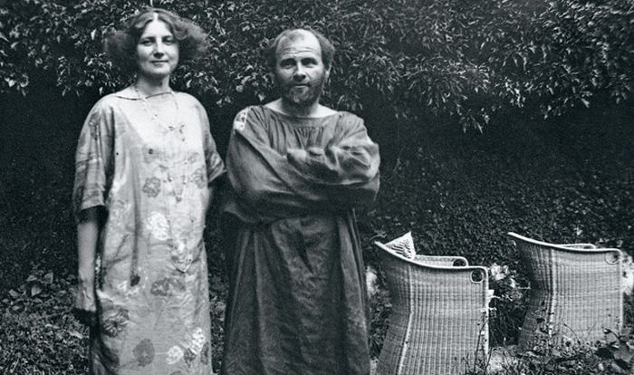 Густав Климт и Эмилия Флёге. / Фото: www.artrue.ru