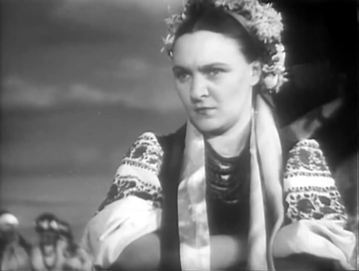 Елена Кузьмина, кадр из фильма «Всадники». / Фото: www.kino-teatr.ru