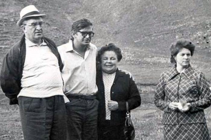Юрий Андропов с женой Татьяной и детьми Игорем и Ириной. / Фото: www.24smi.org