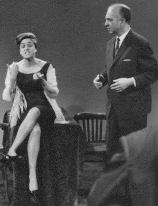 Ирина Карташёва и Михаил Погоржельский на сцене. / Фото: www.kino-teatr.ru