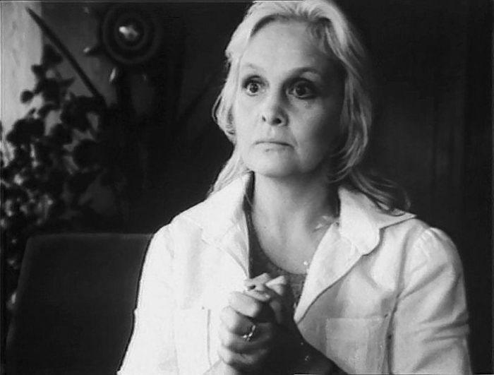 Ольга Антонова, кадр из фильма «Астенический синдром». / Фото: www.kino-teatr.ru