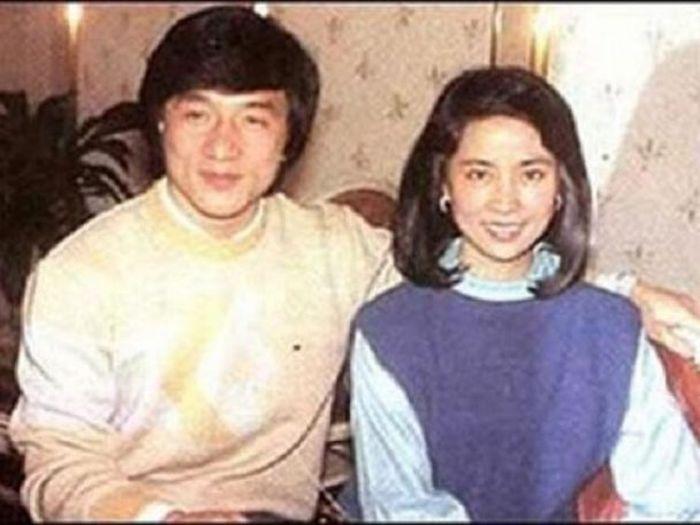 Джеки Чан и Джоан Линь. / Фото: www.dalaaadno.ru