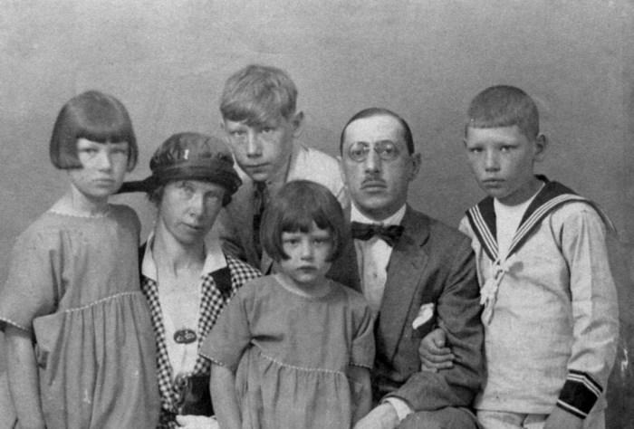 Семья Стравинских, 1920 г. / Фото: www.liveinternet.ru
