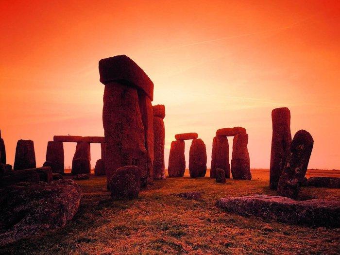 Загадочное сооружение. / Фото: www.allyslide.com