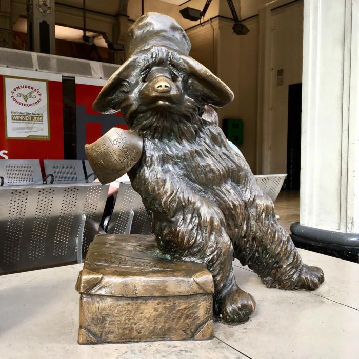 Медвежонок Паддингтон. / Фото: www.trover.com