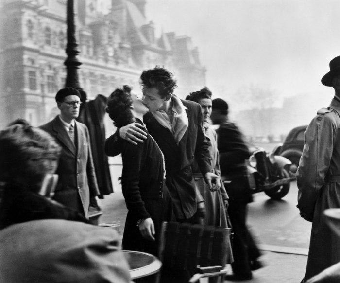 Поцелуй у Отель-де-Виль, 1950. / Фото:  Робер Дуано