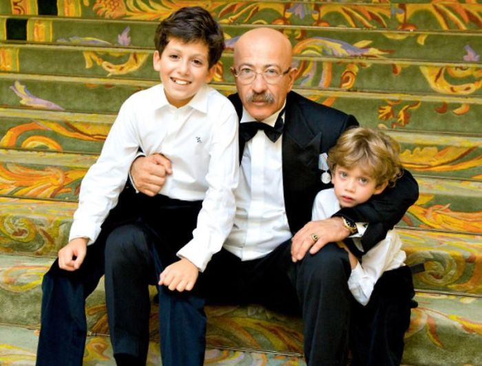 Александр Розенбаум с внуками Дэвидом и Александром. / Фото: www.7days.ru
