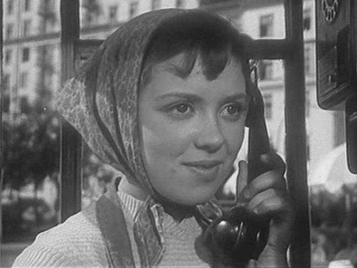 Светлана Карпинская, кадр из фильма «Девушка без адреса», 1957. / Фото: www.blagnews.ru