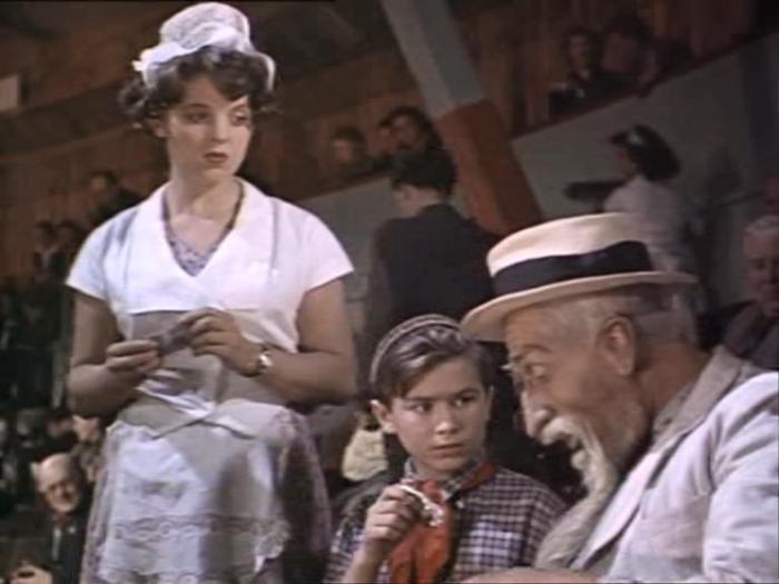 Кадр из фильма «Старик Хоттабыч», одна из первых ролей Зинаиды Шарко в кино. / Фото: www.kino-teatr.com