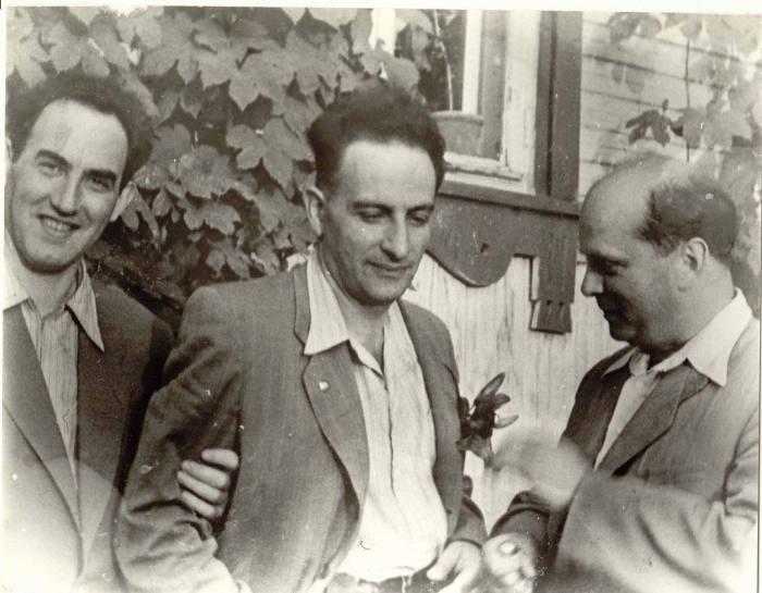 В.Л. Гинзбург, Л.В. Альтшулер и В.А. Цукерман, Саров, 1955. / Фото: www.topreferat.znate.ru