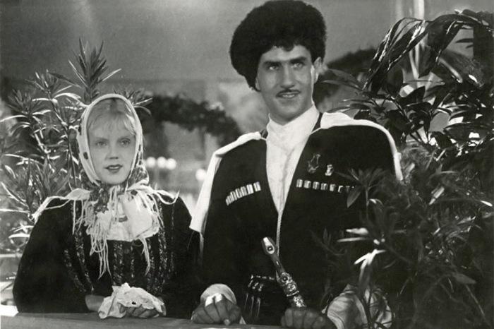 Кадр из фильма «Свинарка и пастух», 1941. / Фото: www.izbrannoe.com