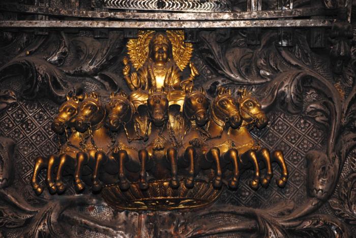 Бог солнца внутри храма Карни Мата. / Фото: Schwiki, www.wikimedia.org
