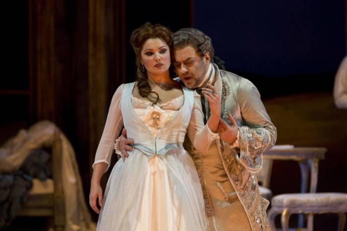 Анна и Юсиф в опере Manon Lescaut. / Фото: www.woman.ru