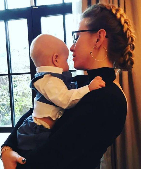 Ксения Собчак с сыном. / Фото: www.woman.ru