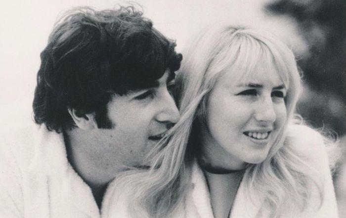Джон и Синтия Леннон. / Фото: www.histolines.com