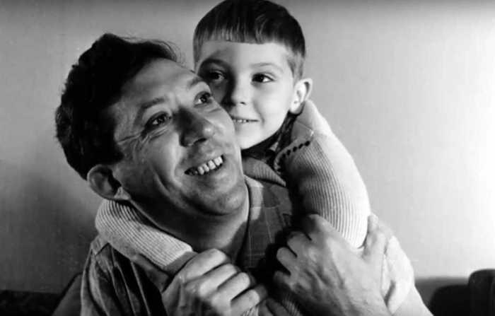 Юрий Никулин с сыном, 1962. / Фото: Global Look Press