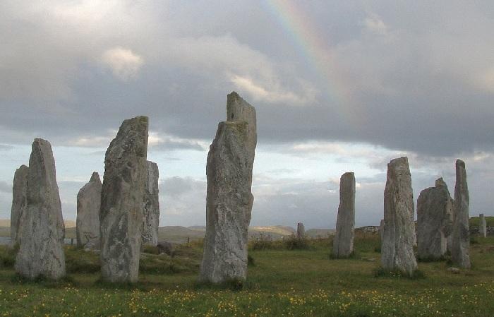 Менгиры - первые надгробия наших предков. Возраст 5-6 тыс.лет.
