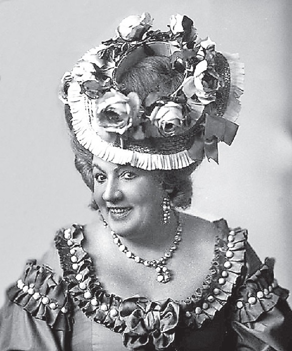 Фаина Шевченко - актриса Московского художественного театра.