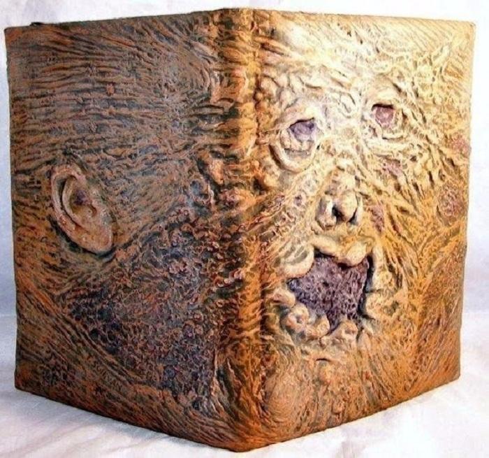 Переплет из человеческой кожи