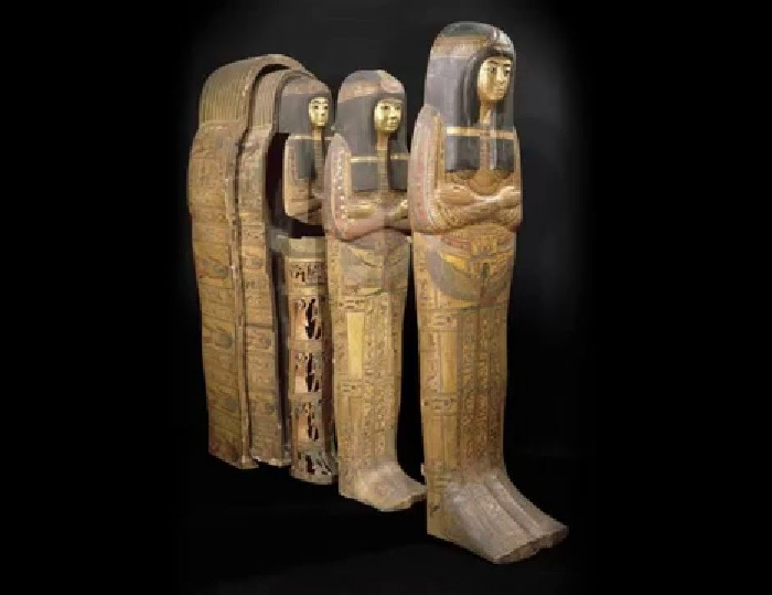 Древнеегипетский саркофаг.