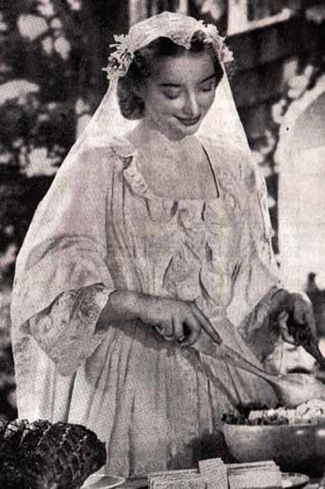 Таша Тудор в подвенечном наряде.